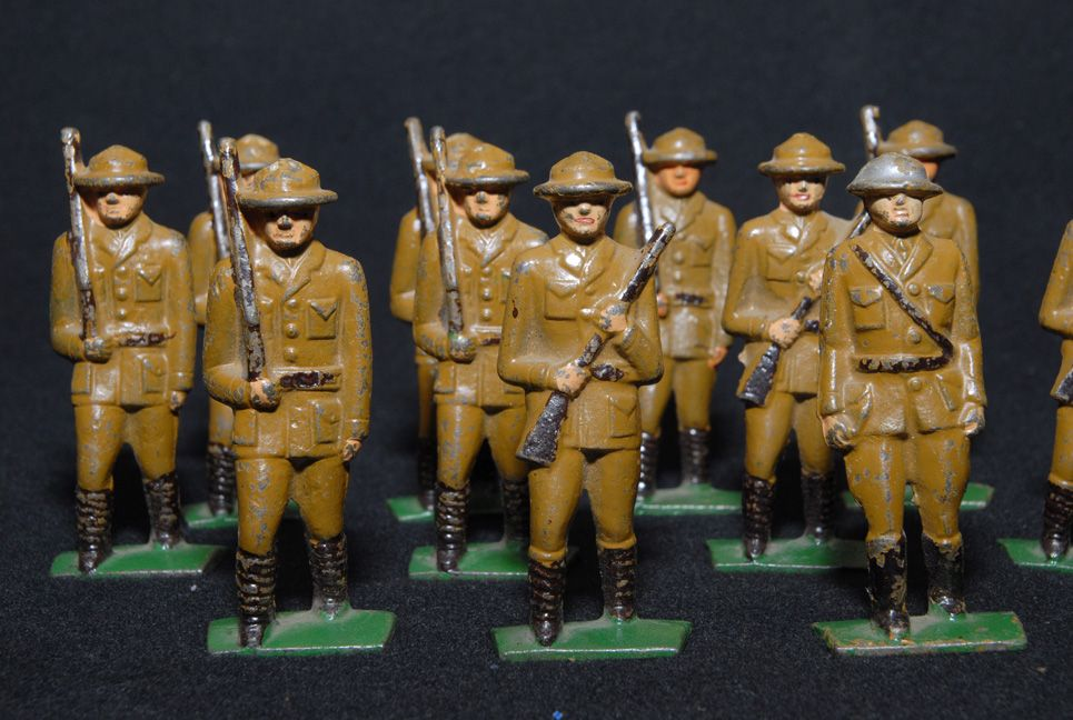 Hubley Cast Iron Soldiers (11)
